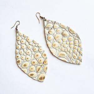 Kristalize White Faux Leather Snakeskin Earrings